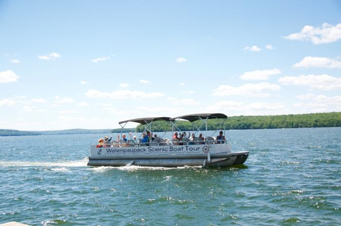 Boat Tours on Lake Wallenpaupack in the Pocono Mountains