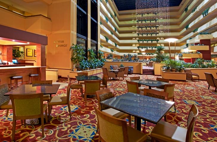 holiday inn hotel & suites beaumont plaza