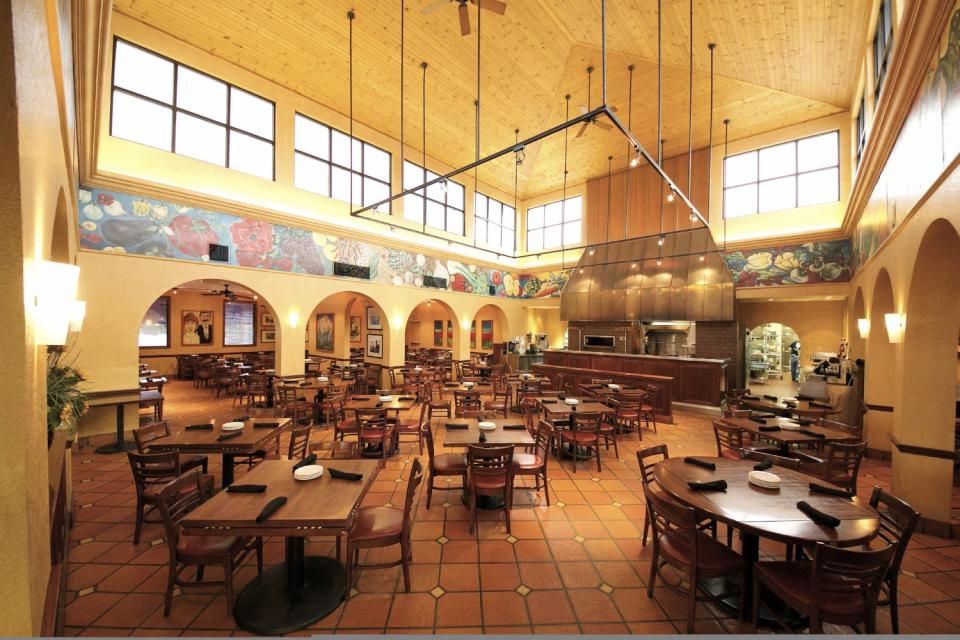 Casa Restaurants - Dining Room - Savor Fort Wayne