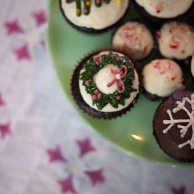 Chocolate Peppermint Cupcakes #Recipe   ExploreAsheville.com