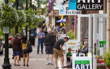 Gallery Walk in the Carmel Arts & Design District