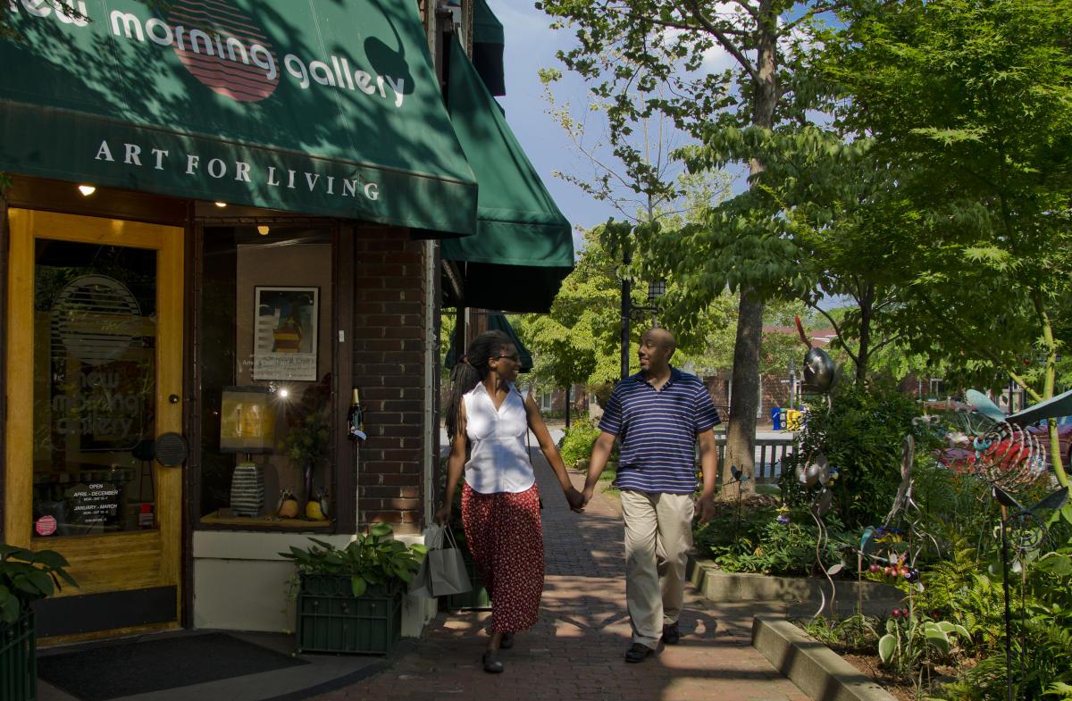 Biltmore village shopping asheville nc 39 s official for Asheville arts and crafts biltmore village