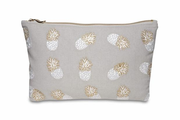 Elizabeth Scarlett Pinneapple Cloud Washbag