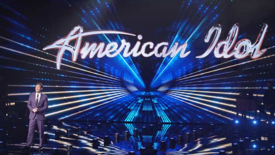 Grace Kinstler and Willie Spence perform stunning renditions of peermusic titles on the American Idol finale