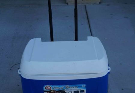 Island Breeze 28 qt Roller Cooler