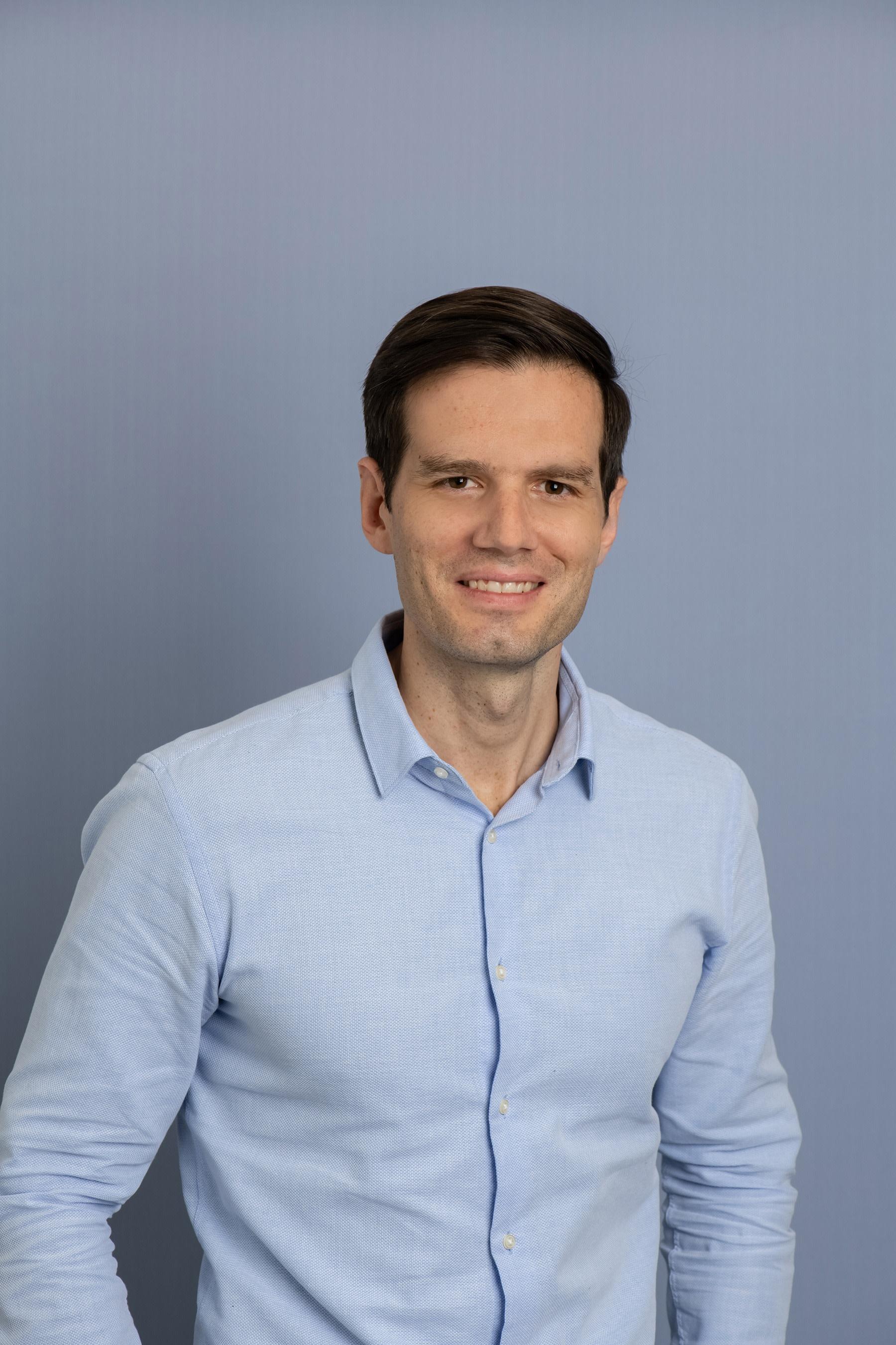 Dr Ben Arnold