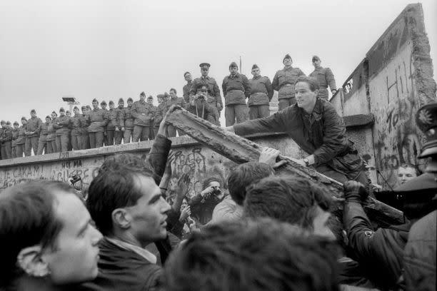 Arresting Legacies of the Berlin Wall