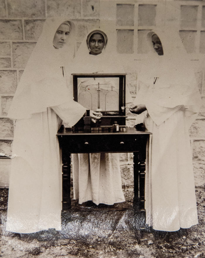 Sr Dr Glowrey training pharmaceutical compounders, Guntur, India, circa 1924-5. Picture: © Catholic Women's League of Victoria and Wagga Wagga. Used with permission.