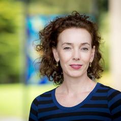 Dr Liz Conor
