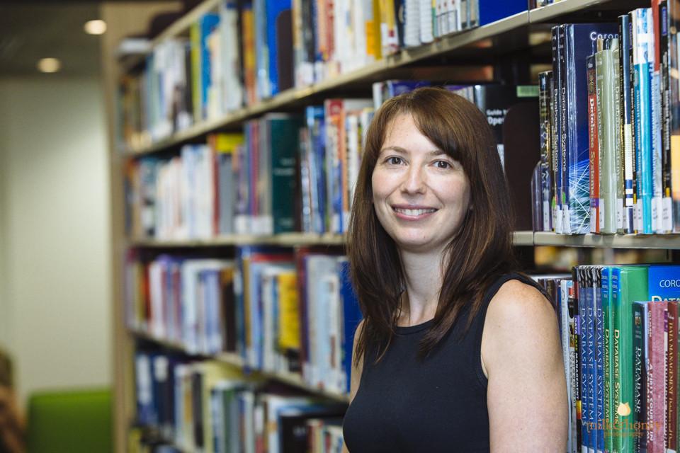 Dr Amanda Alexander