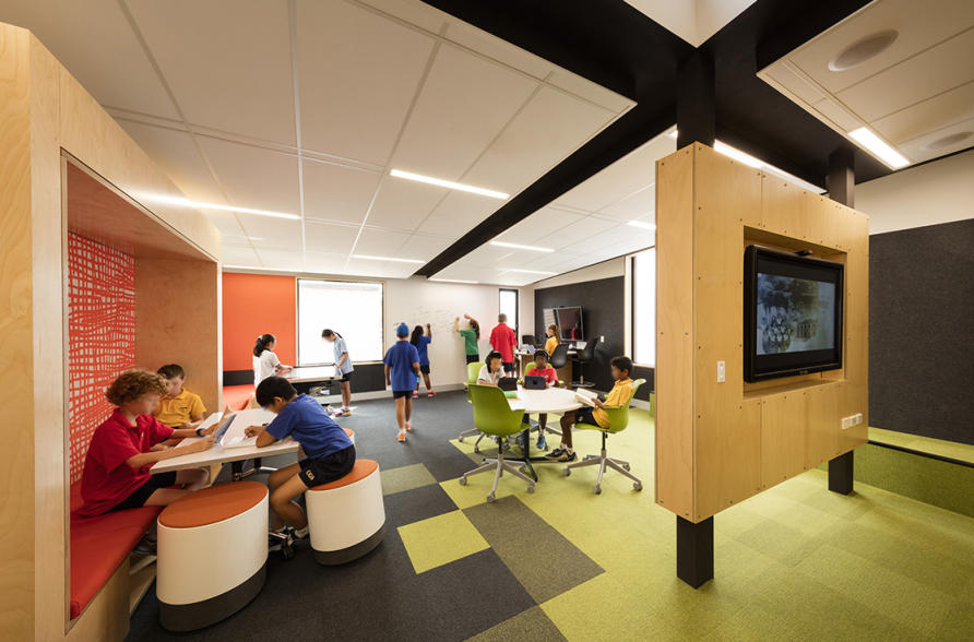 Innovative Use Of Classroom Space ~ Changing the shape of teaching pursuit by university