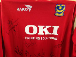 2005-06 Replica Pompey Away Jersey signed by the first team