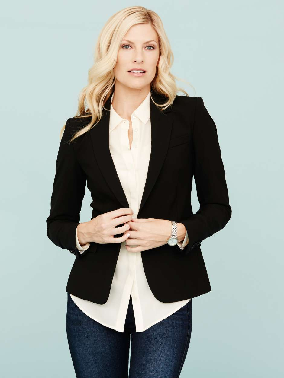 Women's wardrobe must have tailored blazer