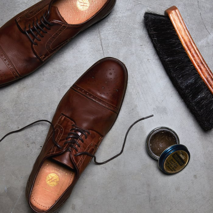 How to Shine Shoes Square