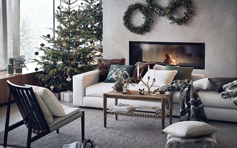 How to Do Christmas Decor Stylishly