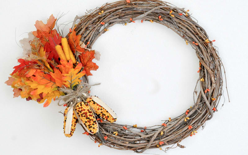 5 Easy DIY Holiday Wreaths