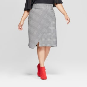Women's Plus Size Plaid Asymmetrical Hem Midi Skirt - Ava & Viv Gray X