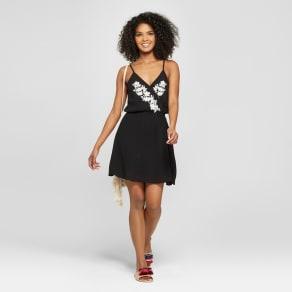 Women's Embroidered V-Neck Dress - 3hearts (Juniors') Black L