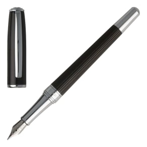 Hugo Boss Hugo Boss Essential Striped Fountain Pen, Silverlic