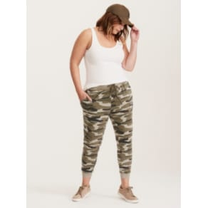 Camo Print Skinny Cropped Jogger Pant in Grey