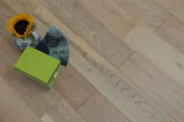 Natural Engineered Flooring Oak Non Visible UV Oiled 20/5mm By 190mm By 2200mm