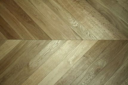 Prime Engineered Oak Chevron Dark Smoked Brushed UV Oiled 15/4mm By 90mm By 610mm