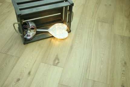 Natural Engineered Flooring Oak UV Lacquered 15/4mm By 120mm By 2100-2200mm