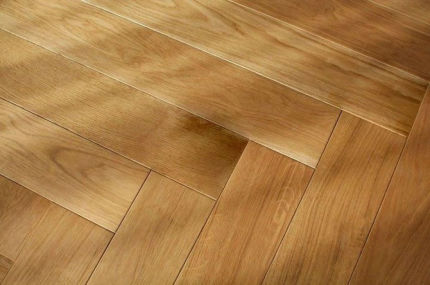 Prime Engineered Flooring Oak Herringbone Brushed UV Lacquered 14/3mm By 98mm By 790mm