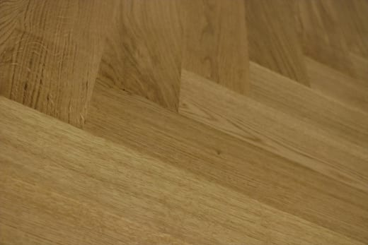 Natural Engineered Flooring Oak Herringbone UV Lacquered No Bevel 11/3.6mm By 70mm By 490mm