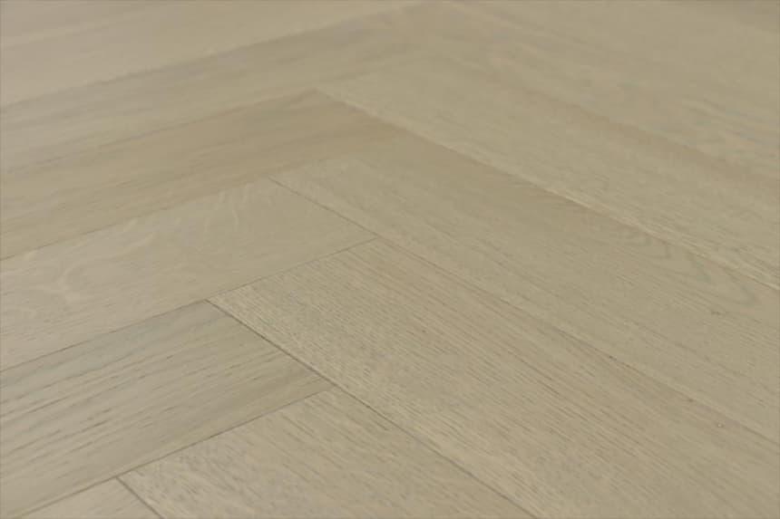 Prime Engineered Flooring Oak Herringbone Vienna Brushed UV Matt Lacquered 14/3mm By 98mm By 790mm