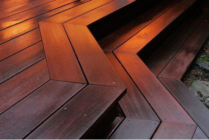 Red Balau Hardwood Decking Boards Using Hidden Fixing 19mm By 90mm By 3962-4572mm