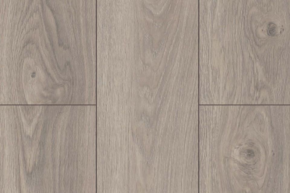 c0f2d629e2d Tokyo Brown Oak Laminate Flooring 8mm By 197mm By 1205mm