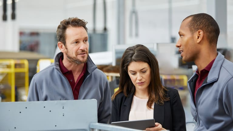 What manufacturers should consider when selecting a digital experience platform in 2020