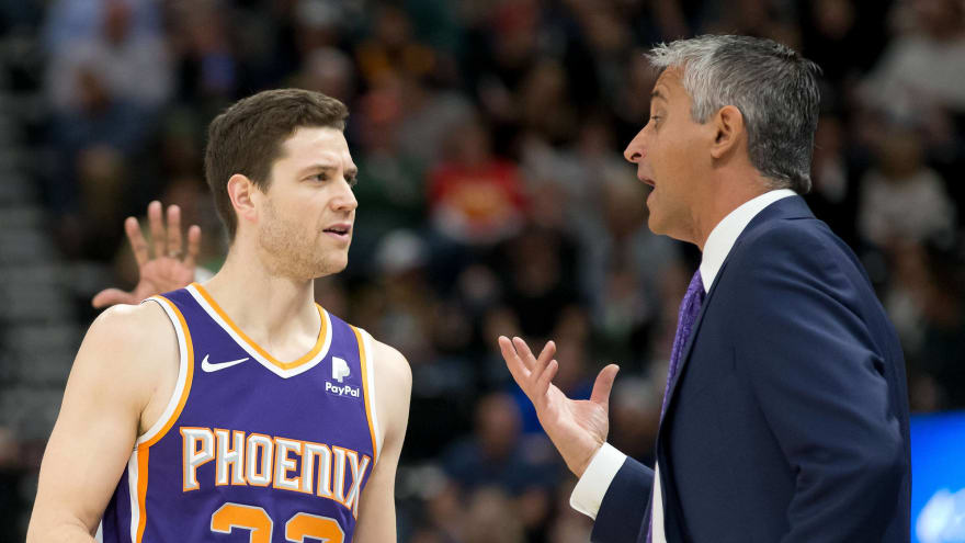 Watch: Jimmer Fredette gets standing ovation in Utah after scoring first points