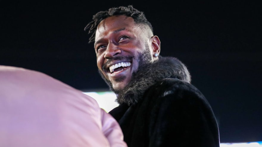 After Landing In Oakland Antonio Brown Ditched His Blond