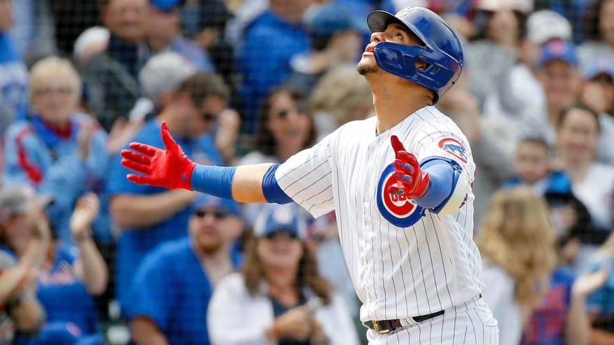 Watch: Young fan won't stop hugging Cubs' Willson Contreras