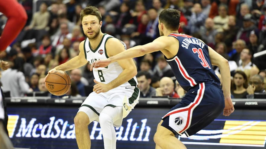 Clotheslining Awesome WATCH Bucks Matthew Dellavedova Ejected For Clotheslining Bradley