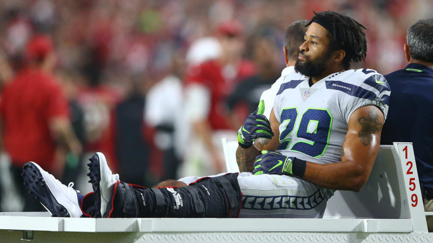 Earl Thomas admits he was flipping Pete Carroll off after injury last season