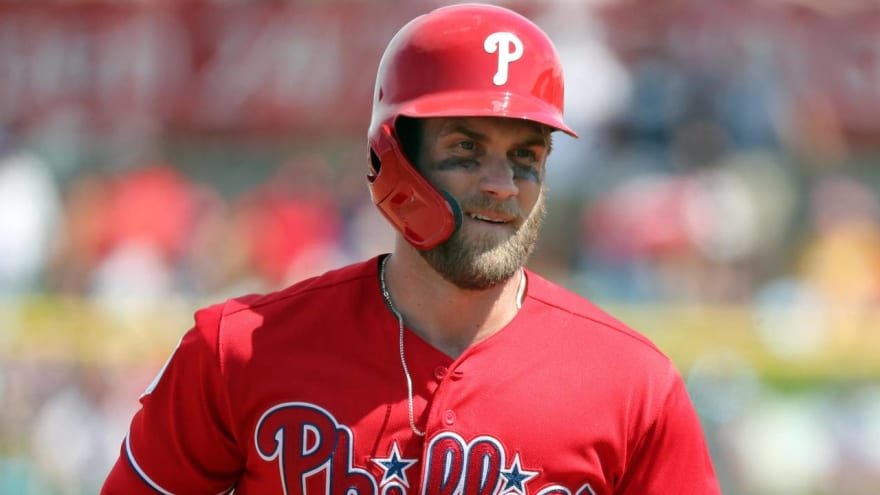 'Always Sunny' star reaches out to Bryce Harper on Twitter, slugger responds