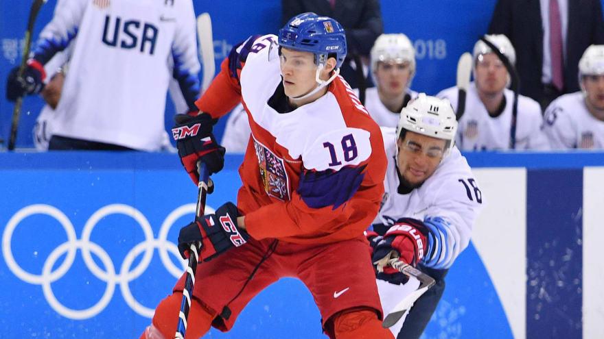Czech star Dominik Kubalik signs with Chicago Blackhawks