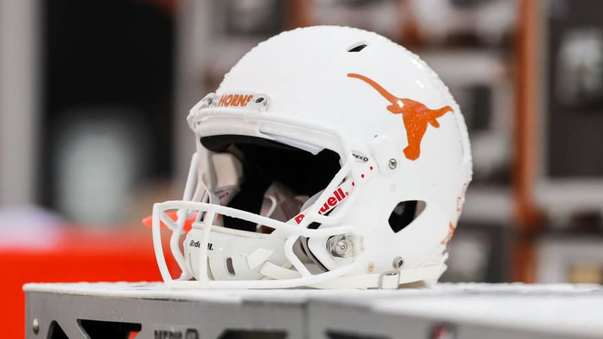 University of Texas to honor Cedric Benson with helmet decal this season