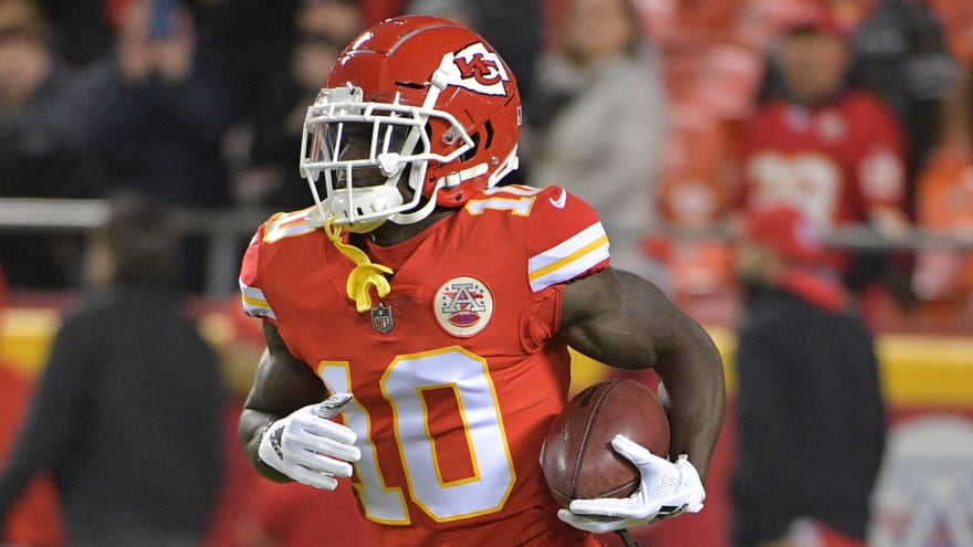 Report: Tyreek Hill expected at Chiefs training camp; 'no timetable' for NFL's ruling