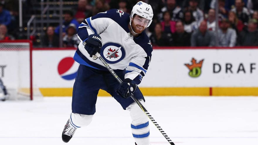 Jets' Adam Lowry out a minimum of four weeks with injury