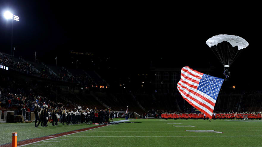 College football teams across the nation pay tribute to US military on Veterans  Day d7241d154