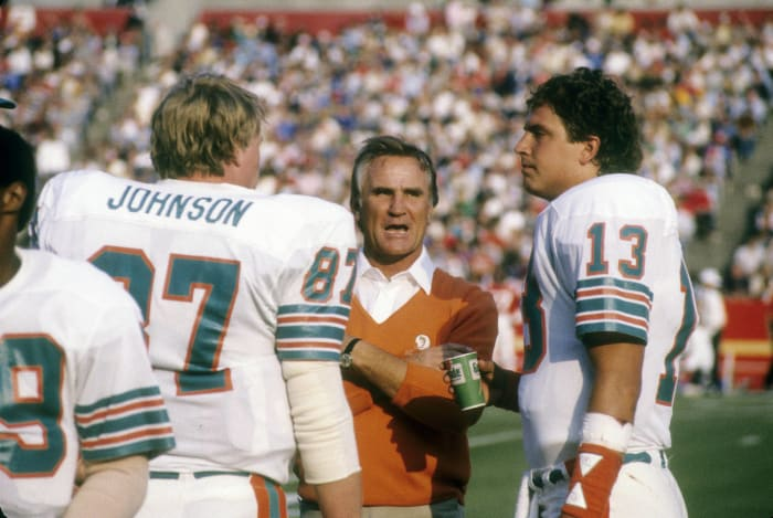 Marino takes over as the Dolphins' starter