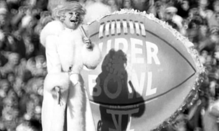 Super Bowl IV halftime show - Carol Channing
