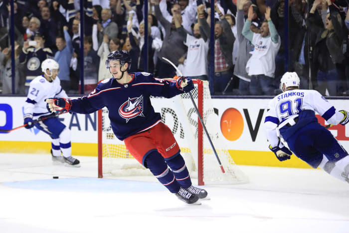 Blue Jackets demolish historically great Lightning in first round