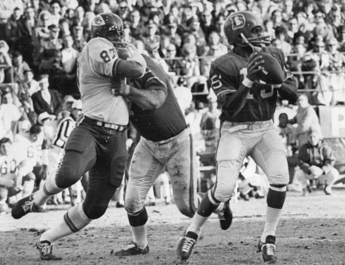 1968: First Black Quarterback (Modern era): Marlin Briscoe