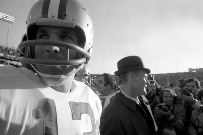 Super Bowl VI: Roger Staubach, Dallas Cowboys, and Bob Griese, Miami Dolphins