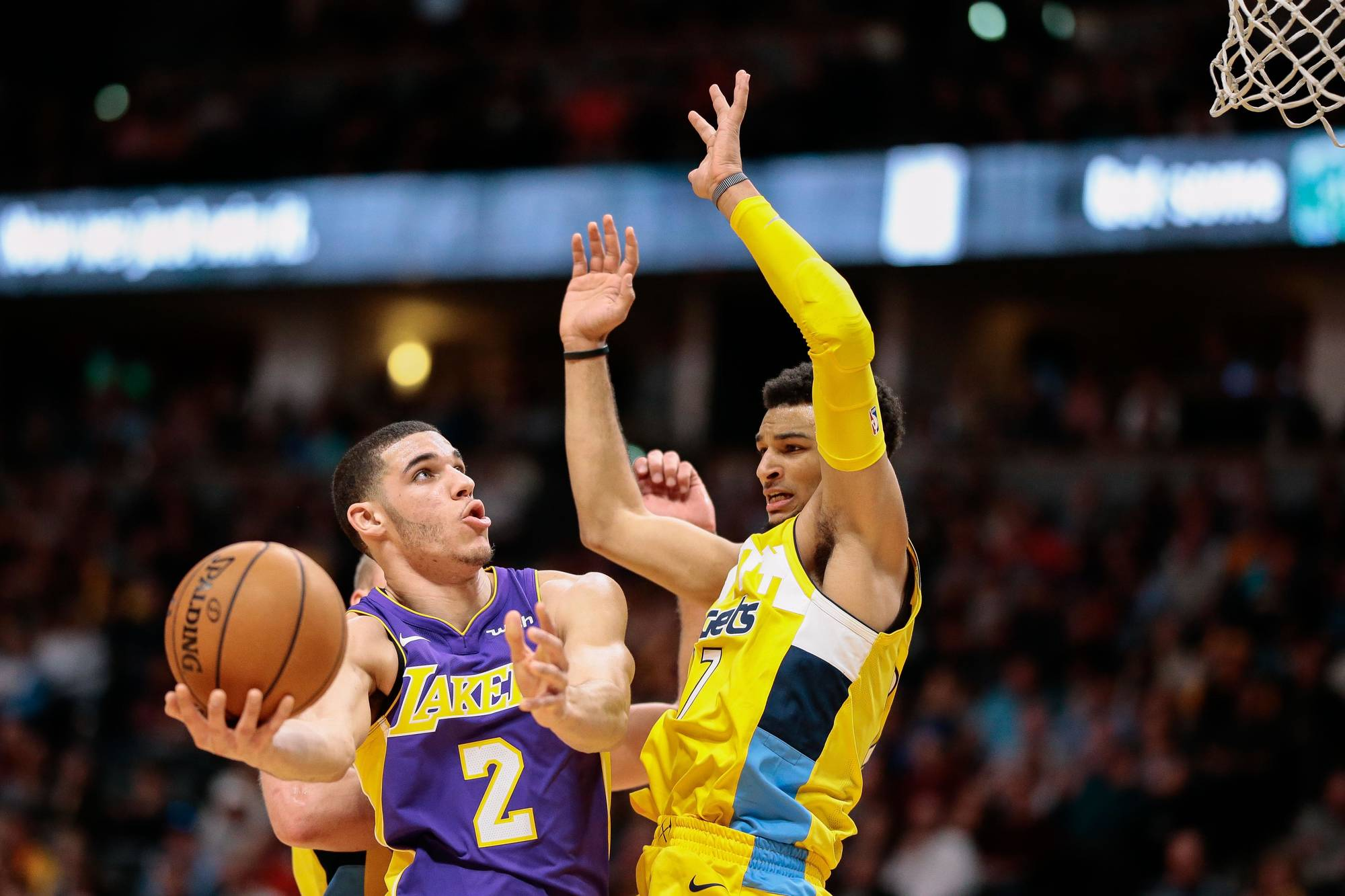Refs botched call in Magic's loss to Lakers